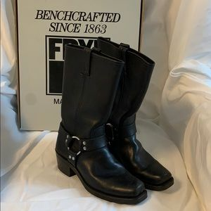Women's FRYE Harness 12R Boots
